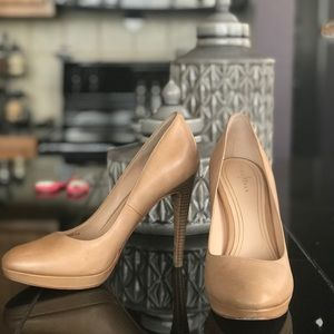 Cole Haan Heels - Nike Air support sole